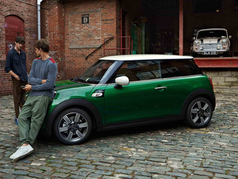 MINI 60 Years Edition – green and while – side view
