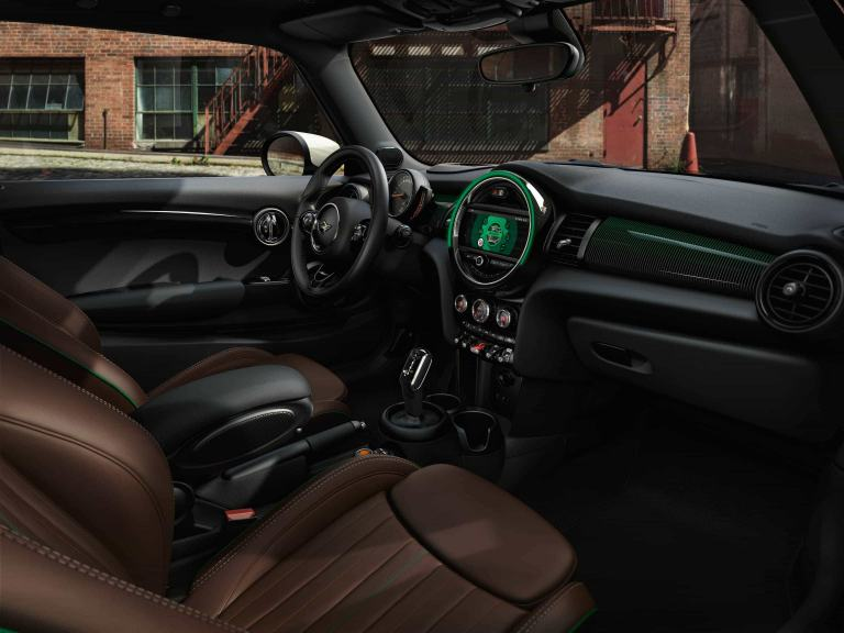 MINI 60 Years Edition – interior – ccokpit and seats